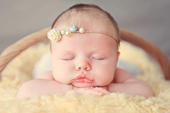 Каким должен быть комплект в кроватку для новорожденных
