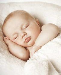 Комплект в кроватку для новорожденных из 7 предметов