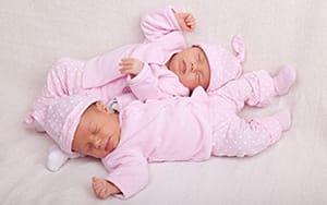 О покупке комплекта в кроватку новорожденному
