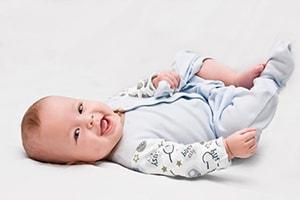 Бортики в кроватку для новорожденных: подведем итоги